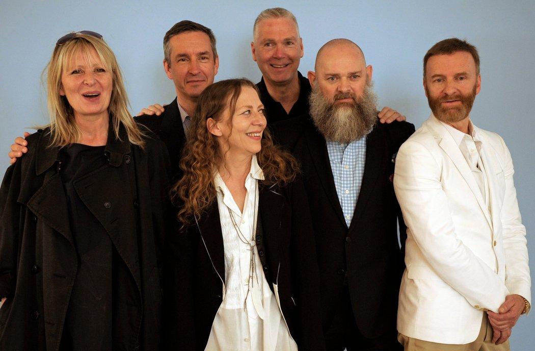 """Antwerp Six группа бельгийских дизайнеров """"Антверпенская шестерка"""""""